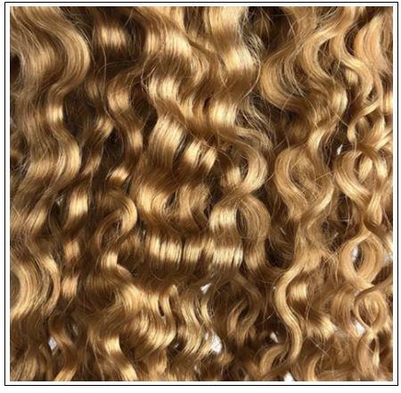 dirty blonde curly hair 4-min